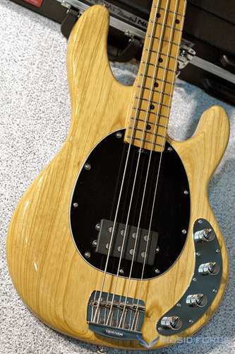 Musicman Stingray 4 Special-Classic Natural w/Roasted Maple Neck(신품)