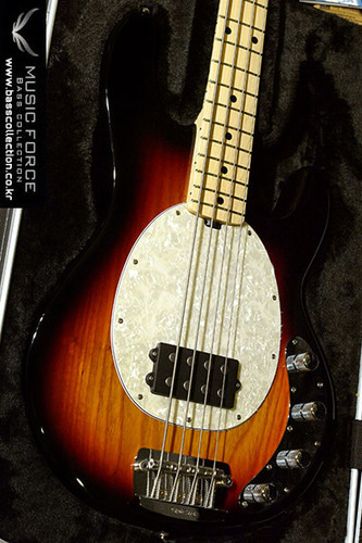 [이월상품창고대방출!!!] Musicman Stingray 4-Vintage Sunburst w/Maple FB & Vintage White Pearloid PG(신품)